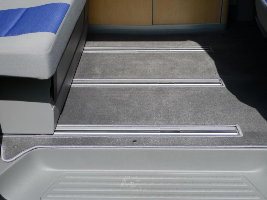 schablone schnittmuster f r teppich im fahrgastraum vw. Black Bedroom Furniture Sets. Home Design Ideas